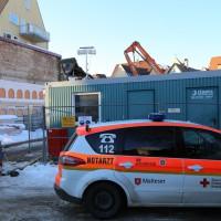 11-02-15_BY_Memmingen_Baustelle_medizinischer-Notfall_Feuerwehr_Poeppel_new-facts-eu0001