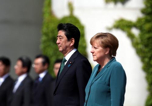 Shinzo Abe und Angela Merkel, über dts Nachrichtenagentur