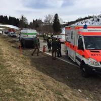 17-03-15_BY_Lindau_Scheidegg_Unfall_Pkw_Lkw_Feuerwehr_Raedler_new-facts-eu0005