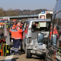 20-03-15_A7-Dettingen-Altenstadt_Unfall_Transporter_Feuerwehr_Polizei_Poeppel_new-facts-eu0001