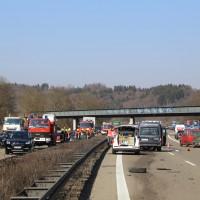 20-03-15_A7-Dettingen-Altenstadt_Unfall_Transporter_Feuerwehr_Polizei_Poeppel_new-facts-eu0002