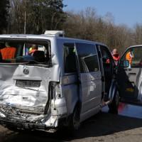 20-03-15_A7-Dettingen-Altenstadt_Unfall_Transporter_Feuerwehr_Polizei_Poeppel_new-facts-eu0004