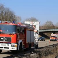 20-03-15_A7-Dettingen-Altenstadt_Unfall_Transporter_Feuerwehr_Polizei_Poeppel_new-facts-eu0006