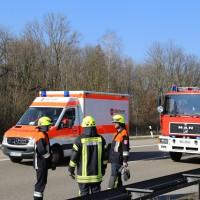 20-03-15_A7-Dettingen-Altenstadt_Unfall_Transporter_Feuerwehr_Polizei_Poeppel_new-facts-eu0008
