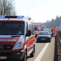 20-03-15_A7-Dettingen-Altenstadt_Unfall_Transporter_Feuerwehr_Polizei_Poeppel_new-facts-eu0009