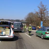 20-03-15_A7-Dettingen-Altenstadt_Unfall_Transporter_Feuerwehr_Polizei_Poeppel_new-facts-eu0012