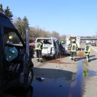 20-03-15_A7-Dettingen-Altenstadt_Unfall_Transporter_Feuerwehr_Polizei_Poeppel_new-facts-eu0014