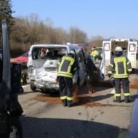 20-03-15_A7-Dettingen-Altenstadt_Unfall_Transporter_Feuerwehr_Polizei_Poeppel_new-facts-eu0015