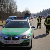 20-03-15_A7-Dettingen-Altenstadt_Unfall_Transporter_Feuerwehr_Polizei_Poeppel_new-facts-eu0016