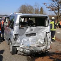 20-03-15_A7-Dettingen-Altenstadt_Unfall_Transporter_Feuerwehr_Polizei_Poeppel_new-facts-eu0017