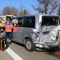 20-03-15_A7-Dettingen-Altenstadt_Unfall_Transporter_Feuerwehr_Polizei_Poeppel_new-facts-eu0019