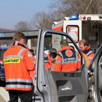 20-03-15_A7-Dettingen-Altenstadt_Unfall_Transporter_Feuerwehr_Polizei_Poeppel_new-facts-eu0021