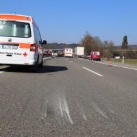 20-03-15_A7-Dettingen-Altenstadt_Unfall_Transporter_Feuerwehr_Polizei_Poeppel_new-facts-eu0026