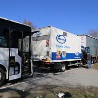 20-03-15_BY-Unterallgaeu_Westerheim_Unfall_Bus-Lkw_Polizei_Poeppel_new-facts-eu0003
