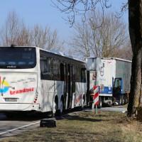 20-03-15_BY-Unterallgaeu_Westerheim_Unfall_Bus-Lkw_Polizei_Poeppel_new-facts-eu0017