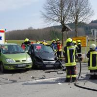 21-03-15_BY_Guenzburg_B16_Aletshausen_Unfall_Feuerwehr_Polizei_Poeppel_new-facts-eu0004