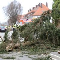30-03-15_BY_Memmingen_Orkan_Unwetter_Feuerwehr_Poeppel_new-facts-eu0013