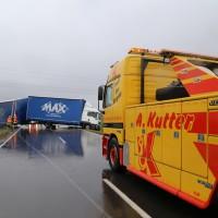 02-04-15_BY_Memmingen-Steinheim_Windboe_Lkw_Feuerwehr-Sperrung_Poeppel_new-facts-eu0007