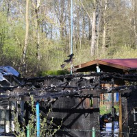 20-04-15_BY_Memmingen_Brand-Gartenlaube_Feuerwehr_Poeppel_new-facts-eu0002