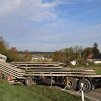 27-04-15_BY_Unterallgaeu_Breitenbrunn_Schoeneburg_Lkw-Pkw_Feuerwehr_Poeppel_new-facts-eu0013