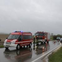 01-05-2015_BY-B300-Bebenhausen-Babenhausen_Unfall_Feuerwehr_wis_new-facts-eu0006