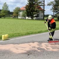 10.05.2015-Ostallgäu-Kaltental-Helmishofen-ST2035-Motorrad-19 jährige-Mauer-ohne Helm-lebensgefährlich-verletzt-Rettungswagen-Rettungshubschrauber-Notarzt-Murnau-Bringezu-Thorsten (10)