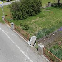 10.05.2015-Ostallgäu-Kaltental-Helmishofen-ST2035-Motorrad-19 jährige-Mauer-ohne Helm-lebensgefährlich-verletzt-Rettungswagen-Rettungshubschrauber-Notarzt-Murnau-Bringezu-Thorsten (30)