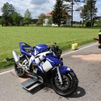 10.05.2015-Ostallgäu-Kaltental-Helmishofen-ST2035-Motorrad-19 jährige-Mauer-ohne Helm-lebensgefährlich-verletzt-Rettungswagen-Rettungshubschrauber-Notarzt-Murnau-Bringezu-Thorsten (7)
