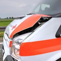 26.05.2015-Jengen-B12-Ostallgäu-Unfall-Gas und Bremse verwechselt-Verletzte-Krankentransportwagen-Rettungswagen-Bringezu-Polizei-Auffahrunfall (11)