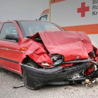 26.05.2015-Jengen-B12-Ostallgäu-Unfall-Gas und Bremse verwechselt-Verletzte-Krankentransportwagen-Rettungswagen-Bringezu-Polizei-Auffahrunfall (4)