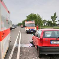 26.05.2015-Jengen-B12-Ostallgäu-Unfall-Gas und Bremse verwechselt-Verletzte-Krankentransportwagen-Rettungswagen-Bringezu-Polizei-Auffahrunfall (10)