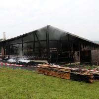 27.05.2015-Marktoberdorf-Burk-Feuer-Pferdestall-Reiterhof-Feuerwehr-alle Tiere gerettet-Bringezu-Ostallgäu (2)