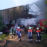 28-05-15_BY_Unterallgaeu_Betzisried_Brand_Bauernhof_Feuerwehr_Poeppel_new-facts-eu0012