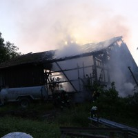 28-05-15_BY_Unterallgaeu_Betzisried_Brand_Bauernhof_Feuerwehr_Poeppel_new-facts-eu0025