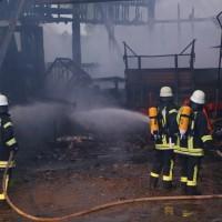 28-05-15_BY_Unterallgaeu_Betzisried_Brand_Bauernhof_Feuerwehr_Poeppel_new-facts-eu0038