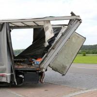 29.05.2015-Biessenhofen-Ostallgäu-LKW_Unterführung-Auflieger zerstört-Bringezu-new-facts.eu-Massiver Schaden (18)