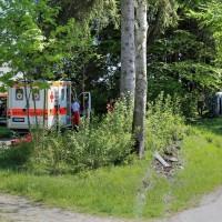 VU-Rpsshaupten-Halblech-OAL 1-Fahrerin-schwerverletzt-eingeklemmt-Autp deformiert-Feuerwehr-Rettungsdienst-Rettungshubschrauber-Ostallgäu-Bringezu (45)_tonemapped
