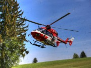 VU-Rpsshaupten-Halblech-OAL 1-Fahrerin-schwerverletzt-eingeklemmt-Autp deformiert-Feuerwehr-Rettungsdienst-Rettungshubschrauber-Ostallgäu-Bringezu (5)_tonemapped