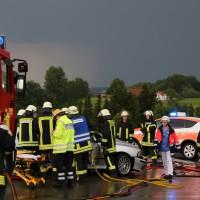 12-06-15_BY_Unterallgaeu_Ottobeuren_Guggenberg_Unfall_Feuerwehr_Poeppel_new-facts-eu0002