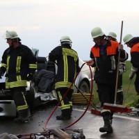 12-06-15_BY_Unterallgaeu_Ottobeuren_Guggenberg_Unfall_Feuerwehr_Poeppel_new-facts-eu0006