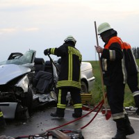 12-06-15_BY_Unterallgaeu_Ottobeuren_Guggenberg_Unfall_Feuerwehr_Poeppel_new-facts-eu0007