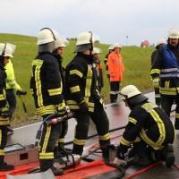 12-06-15_BY_Unterallgaeu_Ottobeuren_Guggenberg_Unfall_Feuerwehr_Poeppel_new-facts-eu0010