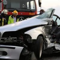 12-06-15_BY_Unterallgaeu_Ottobeuren_Guggenberg_Unfall_Feuerwehr_Poeppel_new-facts-eu0011