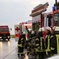 12-06-15_BY_Unterallgaeu_Ottobeuren_Guggenberg_Unfall_Feuerwehr_Poeppel_new-facts-eu0012