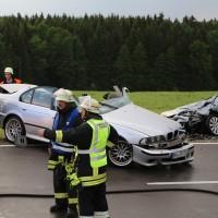 12-06-15_BY_Unterallgaeu_Ottobeuren_Guggenberg_Unfall_Feuerwehr_Poeppel_new-facts-eu0019