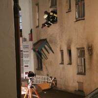 14-06-15_BY-Memmingen_Brand_Wohn-Geschaeftshaus_Kreuzstrasse_Feuerwehr_Poeppel_new-facts-eu0117