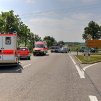 VU-B12-B472-Aschnlussstelle Geisenried-Bringezu-new-facts.eu-schwer verletzt-Vollsperrung-Rettungsdienst-Frontalzusammenstoss-beim-abbiegen (1)_tonemapped
