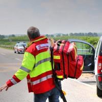 VU-B12-B472-Aschnlussstelle Geisenried-Bringezu-new-facts.eu-schwer verletzt-Vollsperrung-Rettungsdienst-Frontalzusammenstoss-beim-abbiegen (30)_tonemapped
