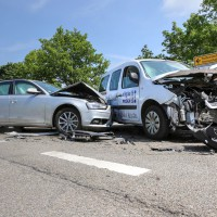 VU-B12-B472-Aschnlussstelle Geisenried-Bringezu-new-facts.eu-schwer verletzt-Vollsperrung-Rettungsdienst-Frontalzusammenstoss-beim-abbiegen (58)_tonemapped