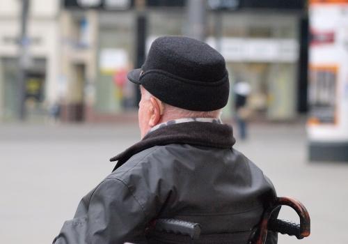 Mann im Rollstuhl, über dts Nachrichtenagentur
